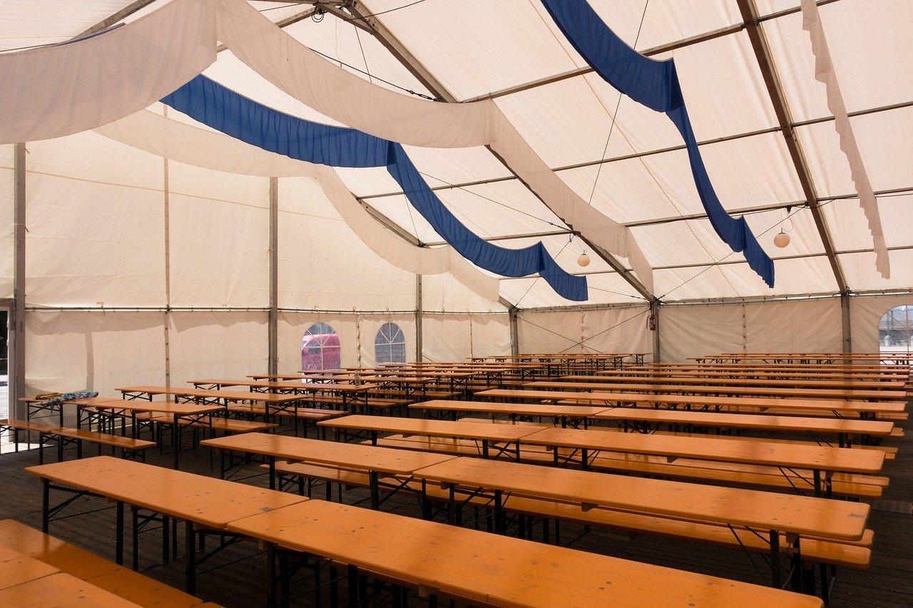 Lokale - czemu warto mieć swoje namioty