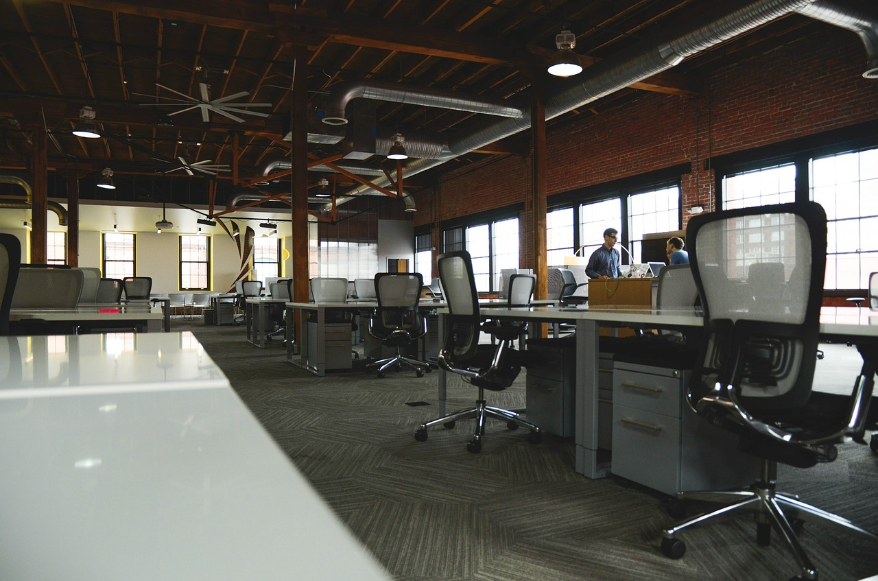 Nowoczesne i funkcjonale meble do biura