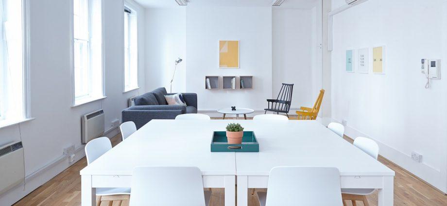 Klasyczne czy nowoczesne meble do biura?